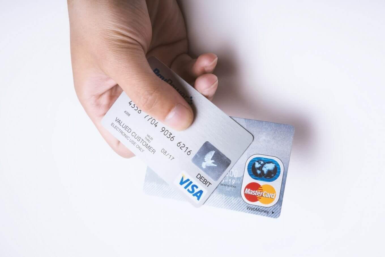 国税のクレジットカード払いが可能に!